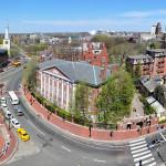 1280px-Harvard_square_harvard_yard